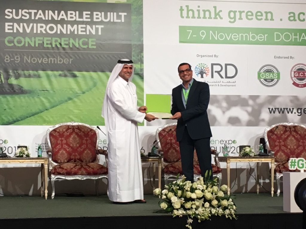 Diaa El-Masry receiving sustainability award